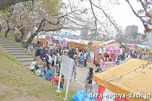 岡崎桜祭りの屋台(露店)